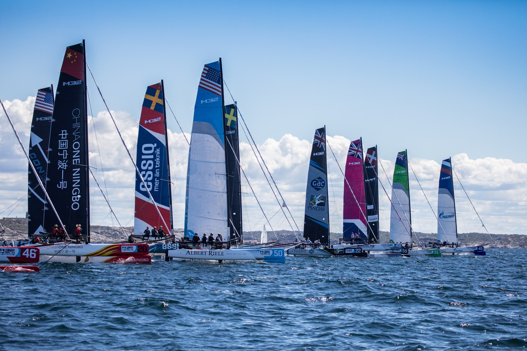 Steele and Postma duel for first day bragging rights at M32 World Championship